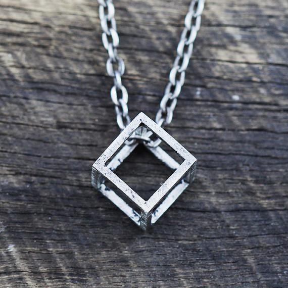 mens_silver_necklace_043fb85f-f4b8-4637-b71d-d722571b6b2c_1024x1024.jpg